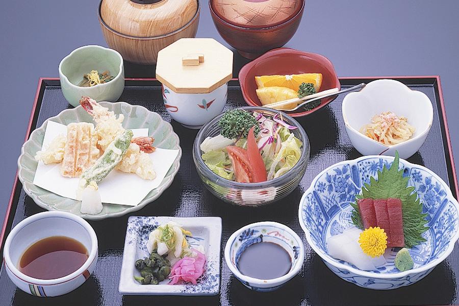 太閤本店40年の看板料理「太閤定食」